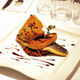 Filet de bar braisé et foie gras présenté par le restaurant Casa Léon de Collioure (crédits photos: networld-Casa Léon)